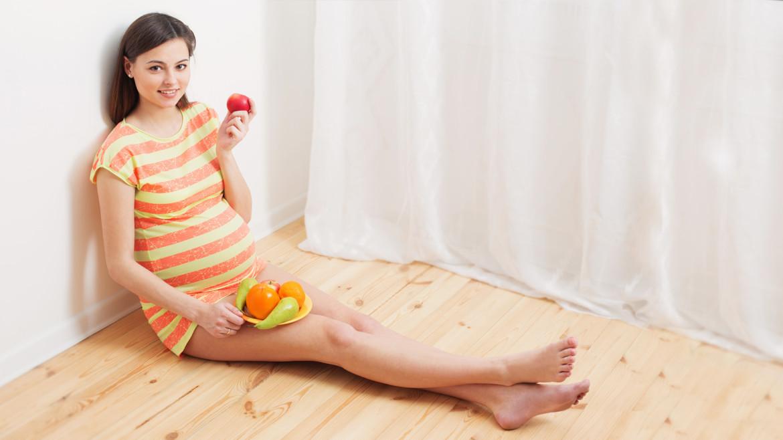 Чи можна давати хурму дітям та вживати в їжу мамі, що годує?